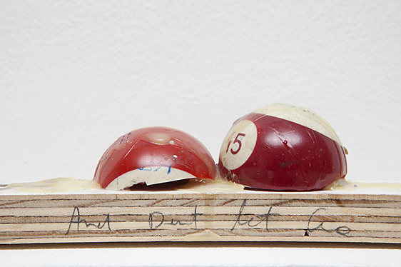 URI ARAN, UNTITLED, 2014 WOOD PLASTIC, WAX, RESIN, INK, 20×4,5×6 CM, 48X12X8 CM (WITH THE SHELF), (DETAIL) IMAGES COURTESY OF PEEP-HOLE, MILAN. PHOTO BY FRANCESCA VERGA