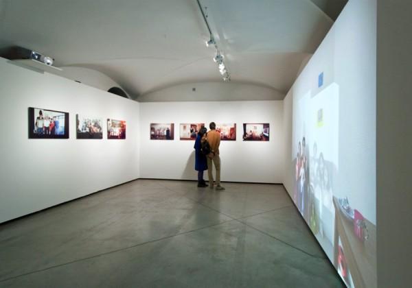 John Clang, Questioni di Famiglia, CCC Strozzina, Firenze 2014 – Installation view foto Martino Margheri
