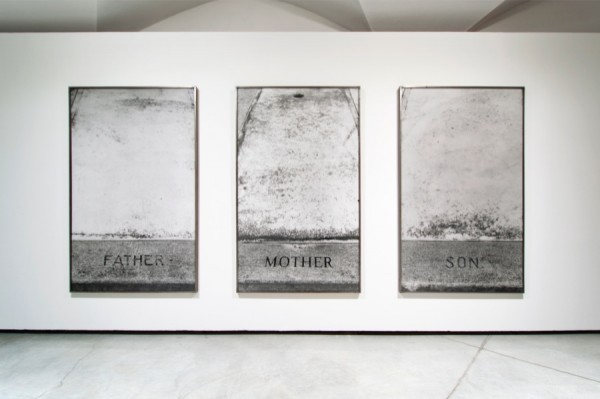 Sophie Calle, Les Tombes, 1990, Questioni di Famiglia, CCC Strozzina, Firenze 2014 – Installation view foto Martino Margheri