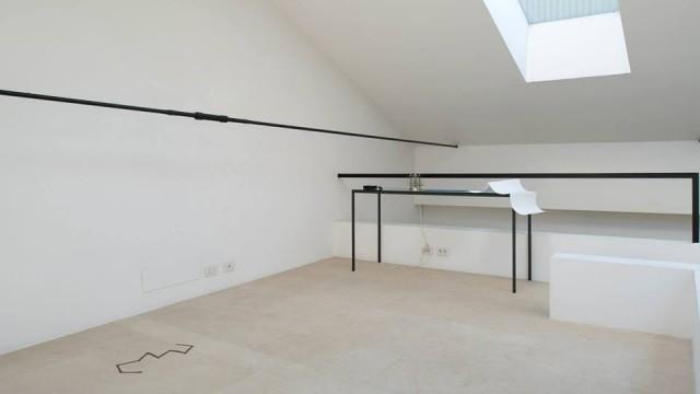 Audrey Martin et Muriel Joya - Renverser les étoiles, - Installazione in-situ. Proiezione, mappa bianca, stampa Fine Art (29,7 x 42 cm). Dimensioni variabili. – 2015 - courtesy l'artista - ph.Edouard Escougnou