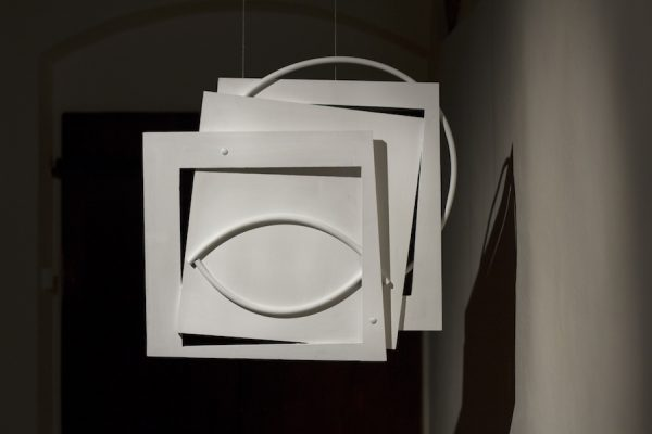 Jessica Warboys Hoop Eye Painting, 2016 wood, plastic pipe, acrylic; 75x 75 x 8 cm courtesy the artist and Casa Masaccio, San Giovanni Valdarno