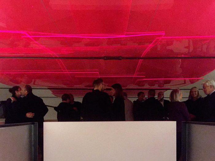 Paolo Parisi - Unité d'Habitation (Platform) - Il problema della condivisione dello spazio in architettura e rispetto al colore della pittura. ...e il pulviscolo atmosferico - Lato, Prato - 2016 - courtesy l'artista